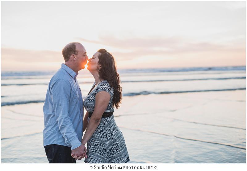 del mar beach engagement, couples photos del mar, san diego beach engagement, san diego wedding photographer, sun kiss engagement