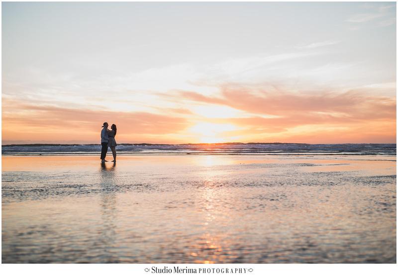 del mar beach engagement, couples photos del mar, san diego beach engagement, san diego wedding photographer, surreal beach engagement photos, low tide del mar beach