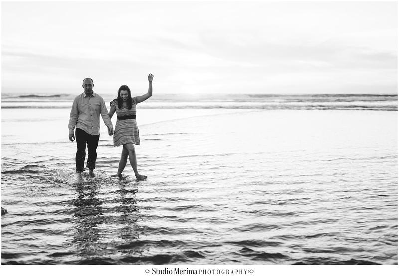 del mar beach engagement, couples photos del mar, san diego beach engagement, san diego wedding photographer, low tide del mar beach, kicking the water