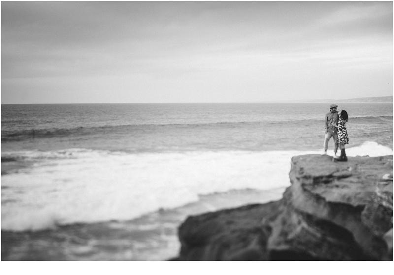 la jolla cove engagement, san diego engagement, la jolla cove cliffs, tilt shift black and white photography