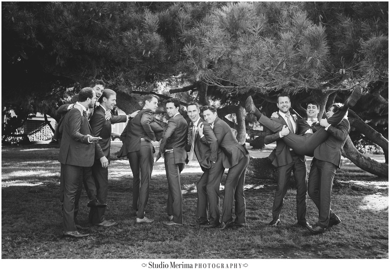 la jolla wedding party photography, la jolla bridal party photography, groomsmen goofing off, silly wedding pictures