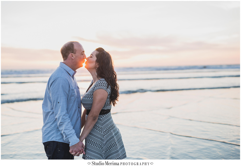 del mar beach engagement, couples photos del mar, san diego beach engagement, san diego wedding photographer, sun kiss engagement
